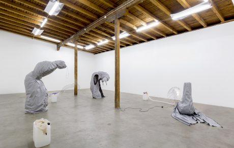 Tilahaasteet koskettavat niin taiteilijavetoista kuin kaupallista galleriakenttää