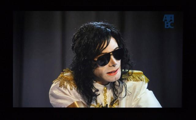 Adel Abidinin teos Michael on hankittu Kiasman kokoelmiin. Teos on esillä Face to Face -näyttelyssä 7. helmikuuta saakka.