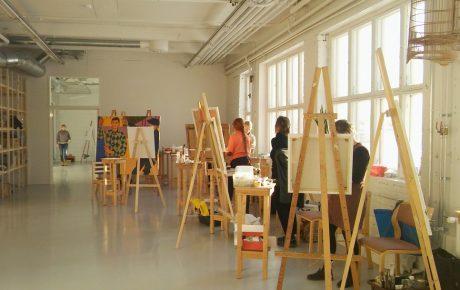 Avoimen taidekoulun tulevaisuus on uhattuna