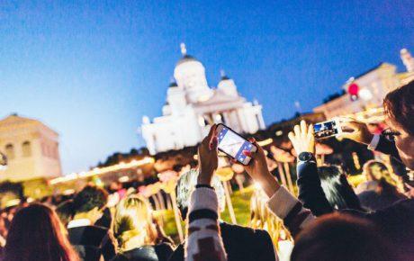 Taiteiden yötä juhlitaan tänään Helsingissä – listasimme illan kuvataidetärpit