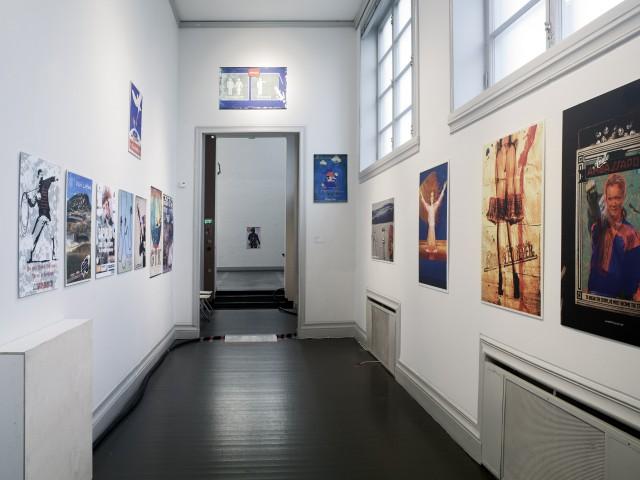 TSuohpanterrorin teoksia Viimeinen Taiteilijat -näyttelyssä Helsingin Taidehallissa 2014. Kuva: Patrik Rastenberger.