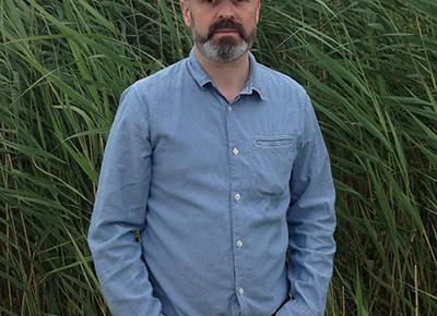 Fergus Feehily maalaustaiteen professoriksi Kuvataideakatemiaan