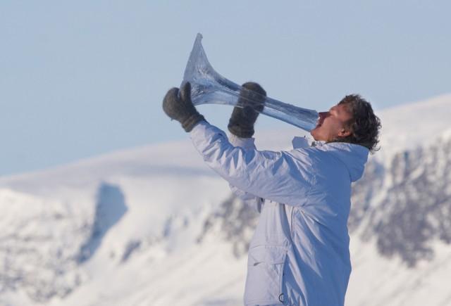 Norjalaisen Bjørn Furusethin Ice Music -teoksessa soitetaan jäisillä soittimilla. Kuva: Bjørn Furuseth