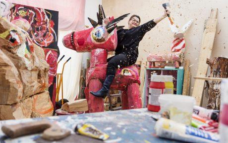 Postilta uusi taidepalkinto – ensimmäinen palkittu on kuvanveistäjä Jasmin Anoschkin