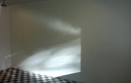Oikaisu: Oksasenkatu 11 muistuttaa olevansa ilmaisten näyttelyiden pioneeri