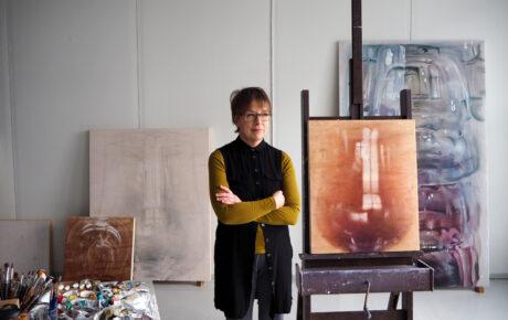Susanne Gottberg maalaa mahdollisuuksia kohtaamiselle