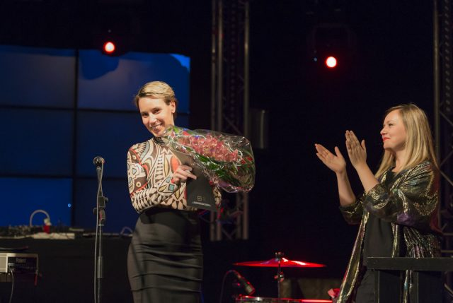 Terike Haapoja ja Eva Neklayeva. Kuva: Pekka Mäkinen.