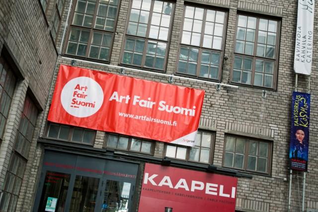 Tänä syksynä kymmenettä kertaa järjestettävä Art Fair Suomi laajenee ja kansainvälistyy. Mukana on ensimmäistä kertaa ulkomaalaisia gallerioita.