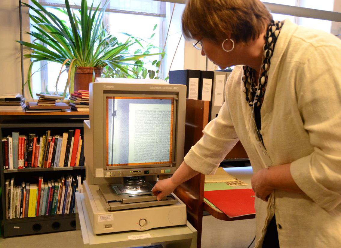 Mikrofilmit ovat ihan keskeistä tutkijoiden käyttämää aineistoa, kertoo keskusarkistonjohtaja Riitta Ojanperä