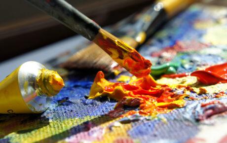 Korona-apurahoja jaossa yhä useammalle taiteilijalle