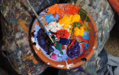 Visuaaliset taiteet saavat ensi vuonna lisärahaa – osa käytetään taiteilijoiden näyttelypalkkioihin