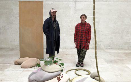 Selkärangatonta draamaa Venetsian biennaalissa