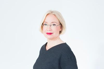 SKjL:N tunnustuspalkinto Suomen Taiteilijaseuran toiminnanjohtaja Petra Havulle